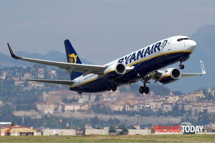 Black Friday 2016 Rayanair, Alitalia e Easyjet: offerte e voli scontati