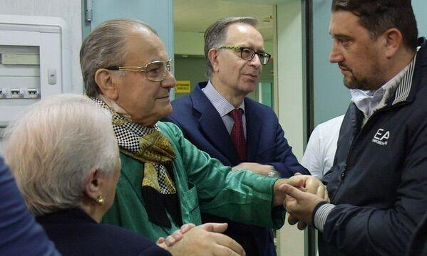 """Boss delle Cerimonie dimesso dalla rianimazione. Don Antonio: """"Grazie a tutti di cuore"""". VIDEO"""