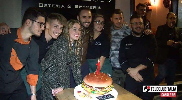 Giugliano, grande successo per il primo compleanno di Burgeria 539