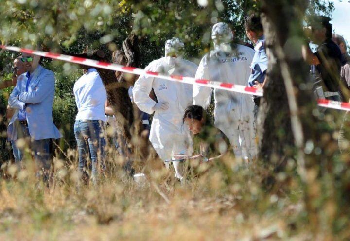 Napoli, ritrovati resti di un cadavere in un terreno