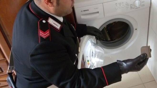 Frattamaggiore, nascondeva droga nella lavatrice. Arrestato