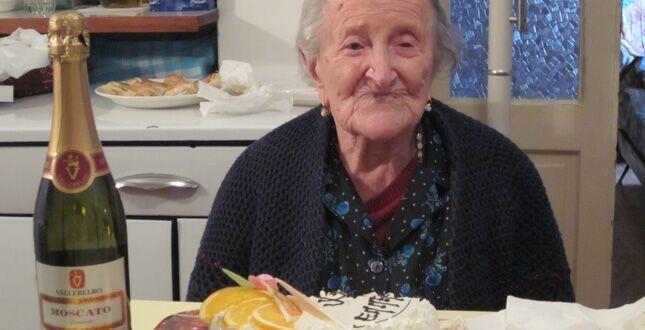 Verbania, Emma Morano fa 117 anni e va su Facebook. La sua DIETA