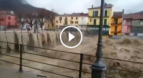 Garessio, il Tanaro esonda: livello di allarme in Piemonte. WEBCAM