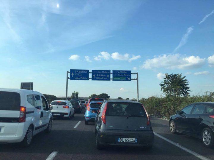 Incidente sull'asse mediano. Traffico in tilt