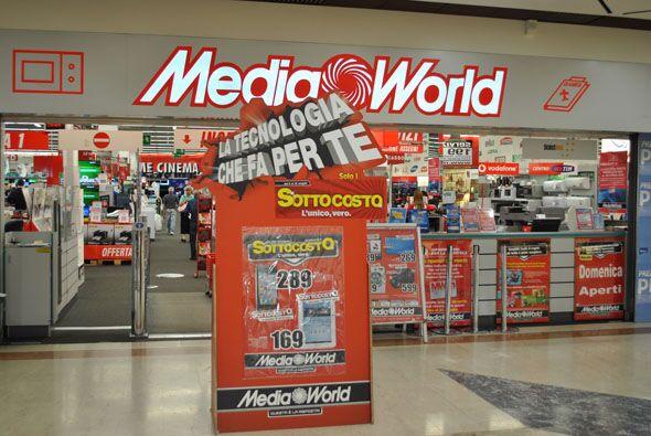 Casoria, sorpreso a rubare al MediaWorld. Arrestato