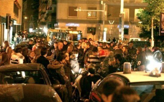 Napoli, aggrediti due giovani e la madre nella zona di Chiaia
