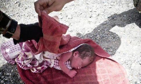 Villa Literno ritrovata bambina abbandonata sul marciapiede