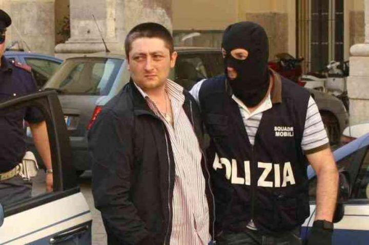 Camorra, duplice omicidio Salzillo-Prisco: ergastolo per Schiavone jr