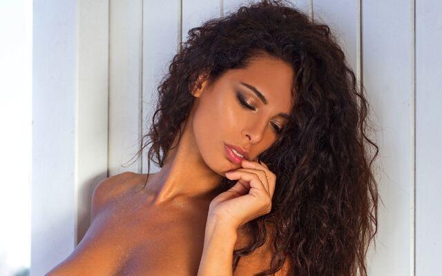 Raffaella Modugno nuda: hot su Instragram. Wikipedia e foto