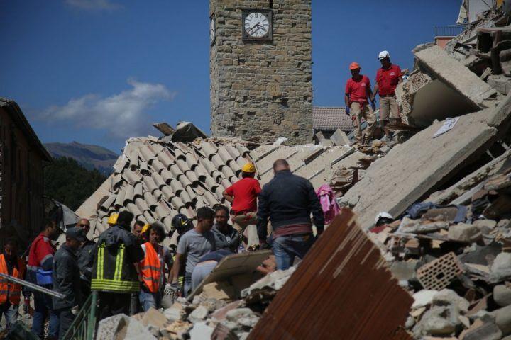 http://www.teleclubitalia.it/wp-content/uploads/2016/11/terremotooggi-720x480.jpg