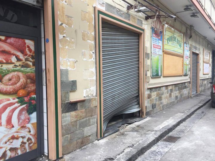 Bomba a Sant'Antimo: la pista del racket