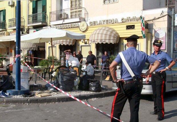 """Torre Annunziata, """"soffiate"""" ai clan: indagati 3 carabinieri"""