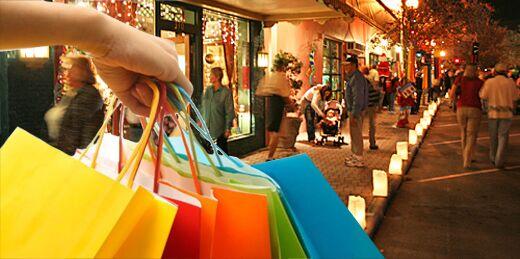 8 dicembre: centri commerciali, negozi e supermercati aperti