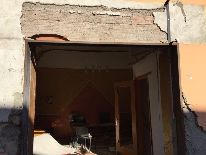 Qualiano, bomba distrugge agenzia immobiliare