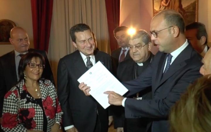 Alfano a Napoli, nuovo statuto per San Gennaro