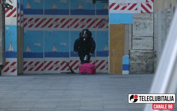 Falso allarme bomba a Napoli vicino Galleria Umberto, chiusa via Verdi