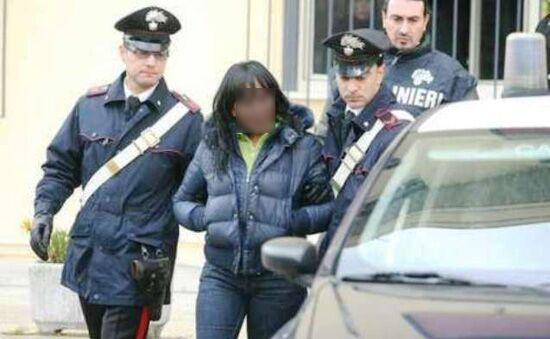 Casoria, operazione anti-droga: arrestati marito, moglie e suocera
