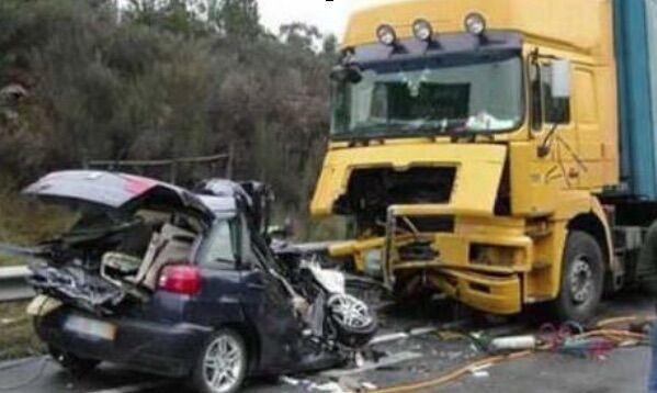Nola, scontro auto-tir sull'A30: morto un uomo