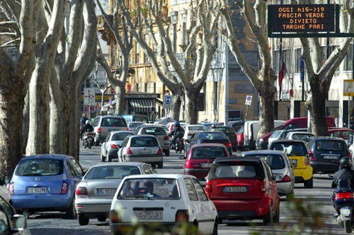 Blocco auto Roma 14 dicembre: fascia verde. Stop a questi veicoli