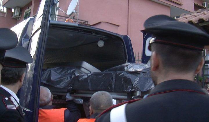 Marano, irruzione dei vigili del fuoco: donna trovata morta in casa