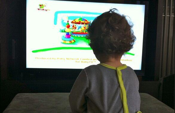 Campobello di Licata, bimba di 3 anni muore travolta dalla tv