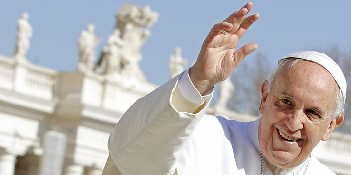 Papa Francesco elogia gli Infermieri: