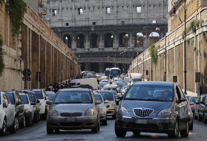 Comune di Roma, blocco auto 13 dicembre: fascia verde e veicoli esentati