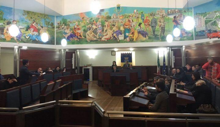 Giugliano, parte il consiglio comunale sul Dup