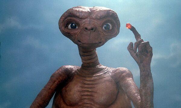 E.T. – L'extraterrestre film su Italia1 / Trama, cast, attori, anno, info wikipedia