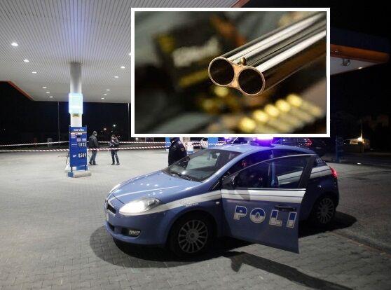 Giugliano, raid con fucili alla pompa di benzina: rapinati anche clienti