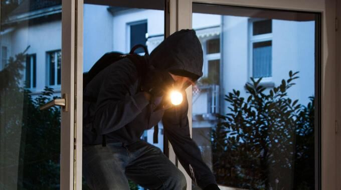 Caivano, rapine in casa: arrestata banda che terrorizzava l'hinterland