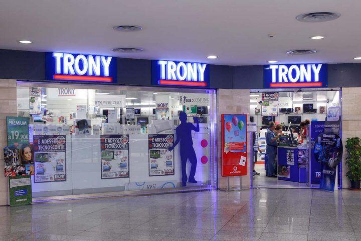Salerno, colpo grosso da Trony. Furto da 40mila euro