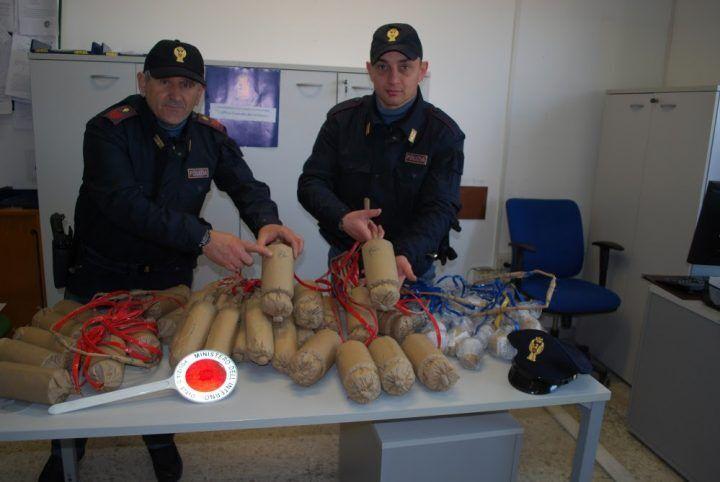 """Trasportava 50 """"bombe"""", arrestato 38enne di Casandrino"""