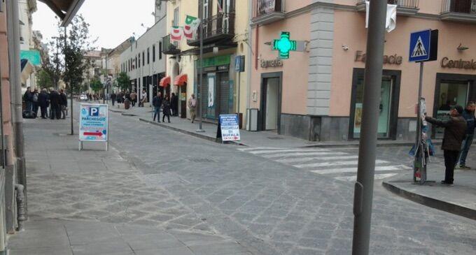 """Giugliano, traffico in tilt. Il sindaco replica: """"ZTL è civiltà"""""""