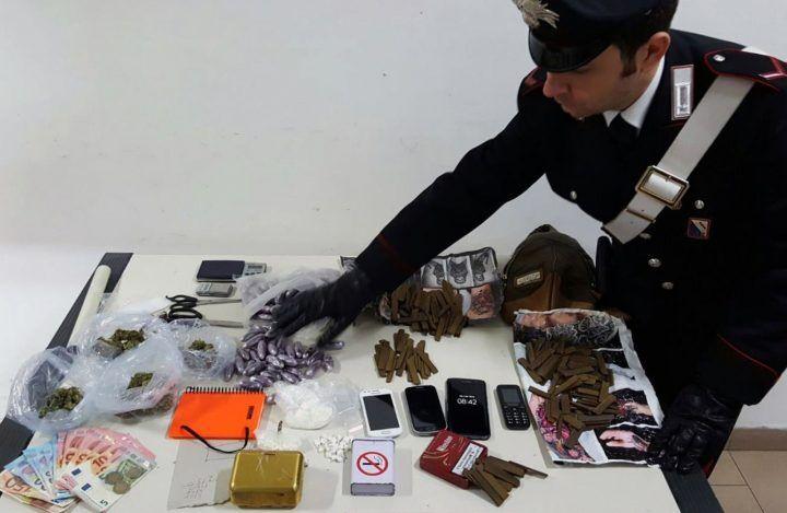 Calvizzano, più di un chilo e mezzo di droghe in casa: arrestato 34enne