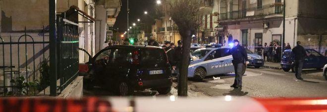 Napoli, agguato a Secondigliano e Pianura: due uomini in ospedale