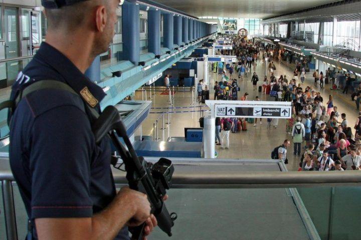 Napoli, controlli anti terrorismo: 2 arresti a Capodichino