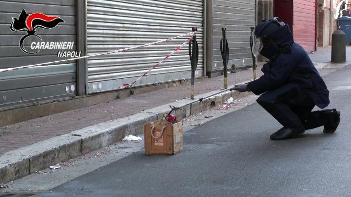 Botti inesplosi, grave 35enne di Arzano. L'appello degli artificieri dell'Arma
