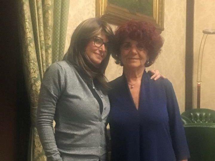 """Carla Caiazzo foto oggi: incontra il ministro Fedeli: """"Io rido ancora"""""""
