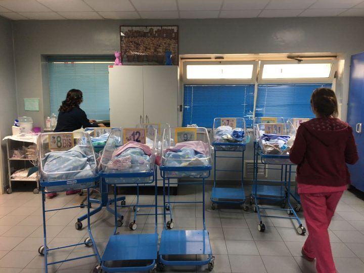 Fiocco rosa a Giugliano, la piccola Angela è la prima bimba nata nel 2017