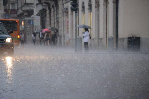 Meteo Napoli e Campania, dopo il gelo arrivano piogge e temporali