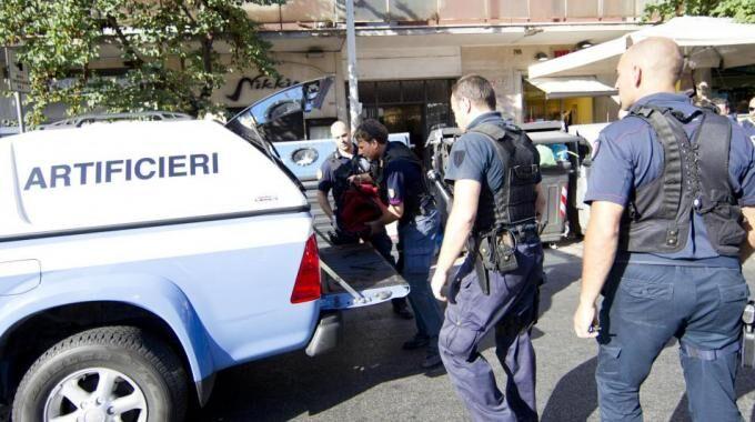 Torre Annunziata, ordigno esplosivo in strada: interviene la polizia