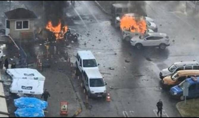 Video attentato a Smirne, scoppia autobomba. VIDEO