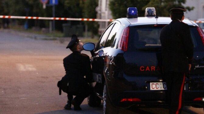 Casoria, lite per l'affitto finisce in sparatoria: ferito padrone di casa