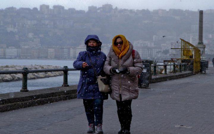 Meteo Napoli e Campania, temporali e gelate. Ecco fino a quando