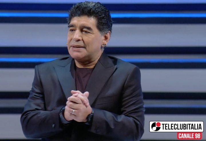 Maradona show al Teatro San Carlo di Napoli