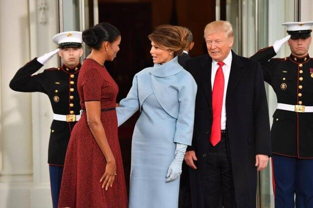 Melania Trump, vestito Ralph Lauren all'insediamento: abito da favola
