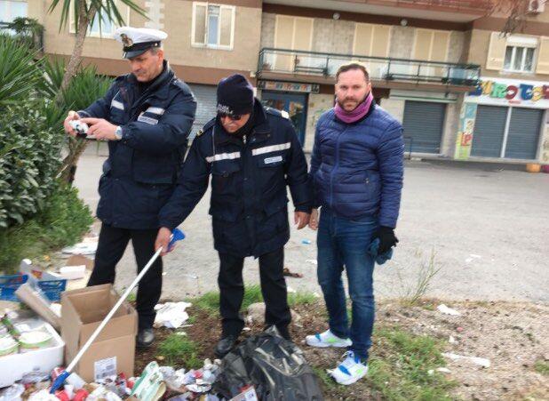 Villaricca, task force della polizia municipale contro i furbetti del sacchetto. VIDEO