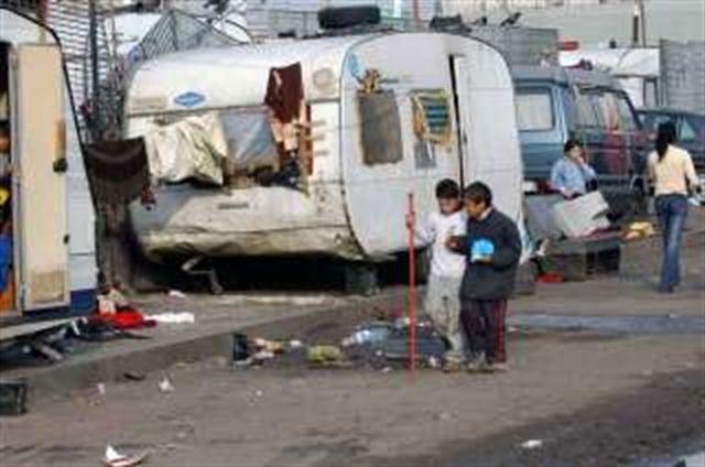Accordo siglato in Prefettura: il villaggio rom a Giugliano si farà