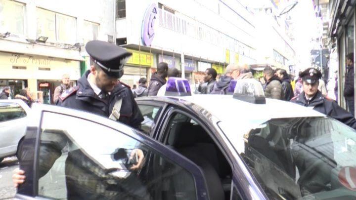 """Napoli. Spari in pieno giorno al mercato, colpita bimba di Melito. De Luca: """"Intollerabile"""""""